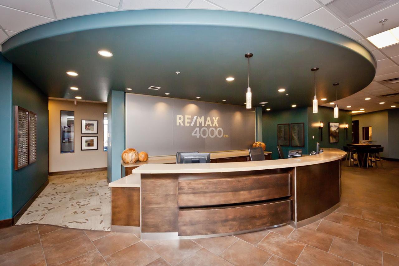REMAX 4000 Front Desk