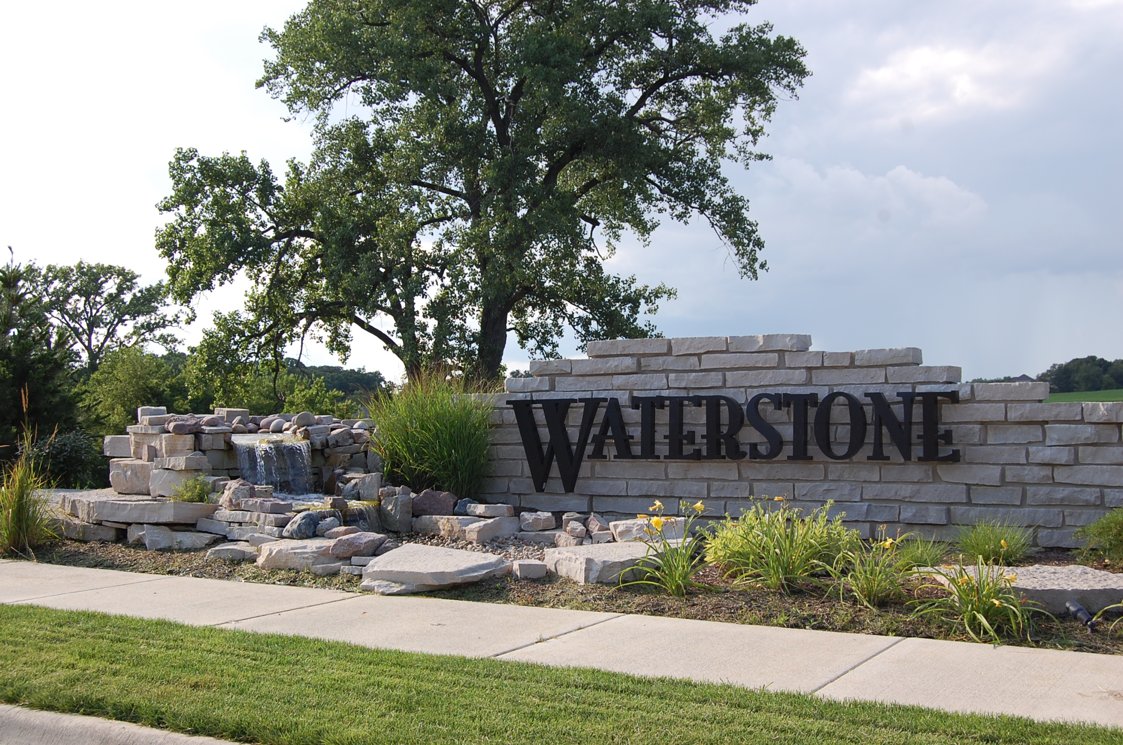 Waterstone Entrance