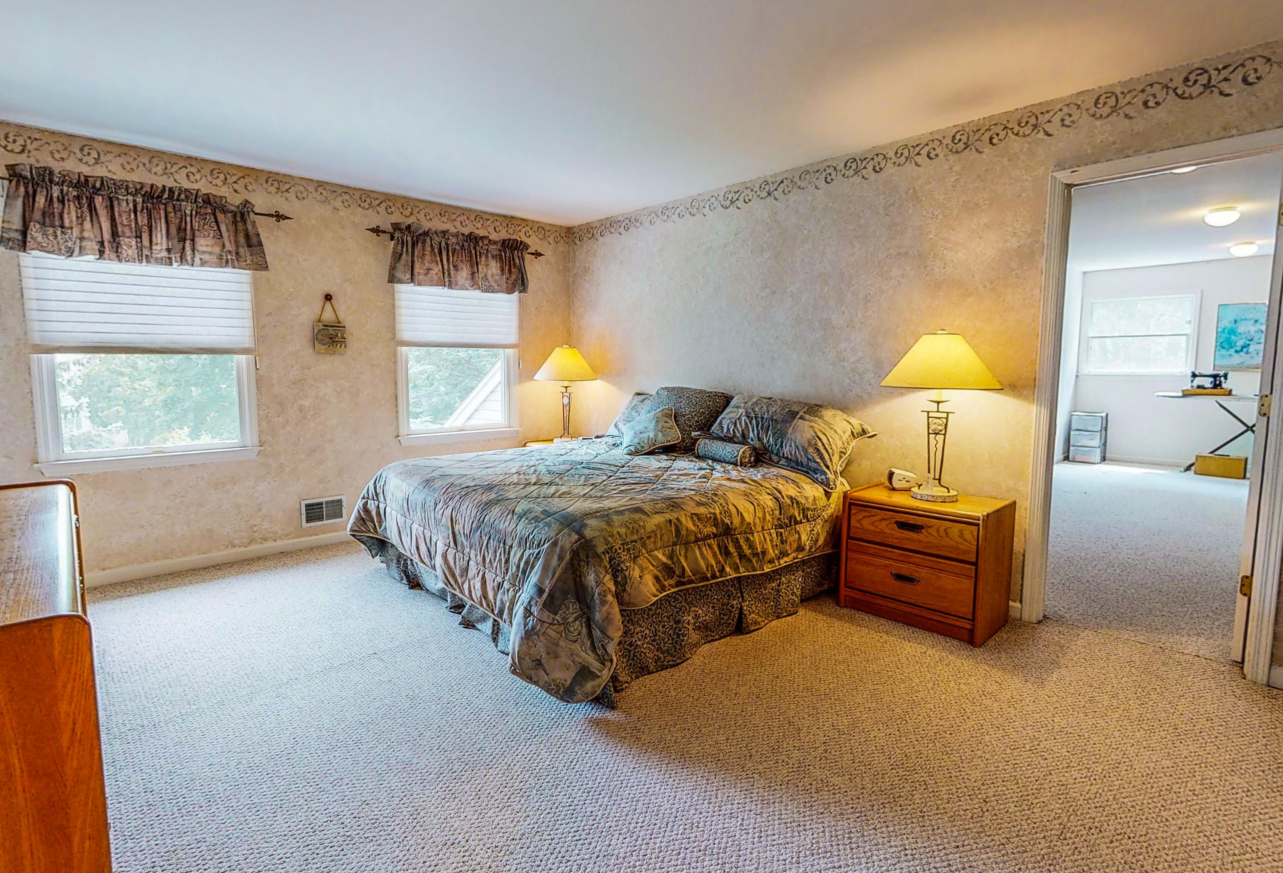 Primary Suite 5 Sleepy Hollow Dr Oak Ridge NJ